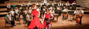 orkest-breed-met-dansers